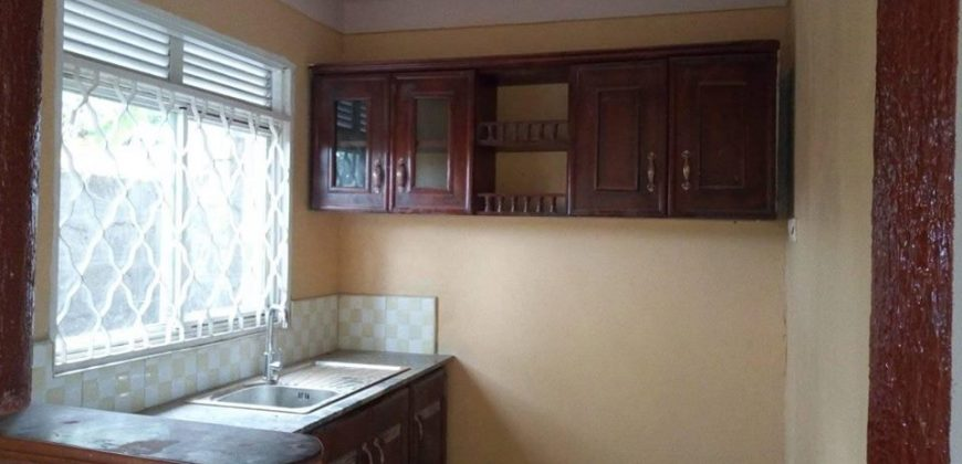 double rooms in #Kisaasi kyanja at 500k