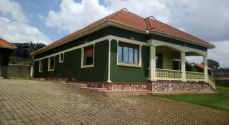 9 Bedroomed House in Masaka
