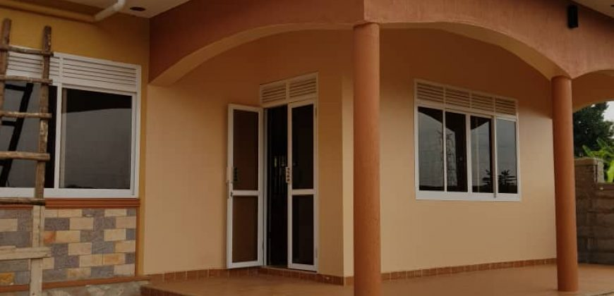 House for sale in Kira at 270,000,0000