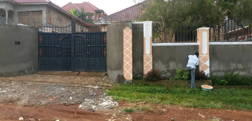 A house for rent in Kawuku jomayi estates at 1,500,000.
