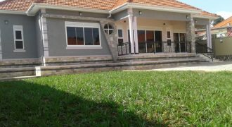 House for sle in Bweya Kajjansi at 600,000,000