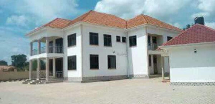 House for sale in Gayaza Town at 850,000,000