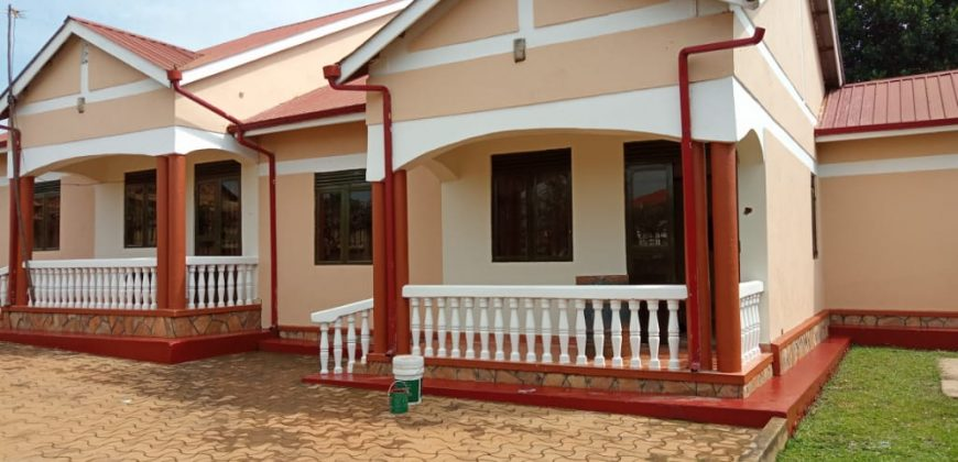 Bungalow for rent @500,000ugx