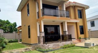 Stunning five bedrooms for Sale in BUNGA $350,000