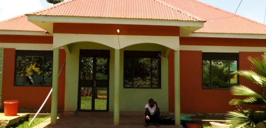 House for sale in Kyengera at shs 65,000,000