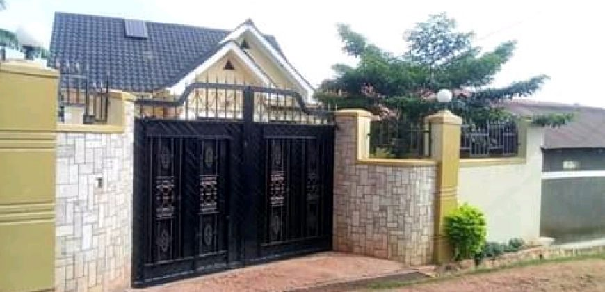 House for sale in Bulenga ku 9 at shs 180,000,000