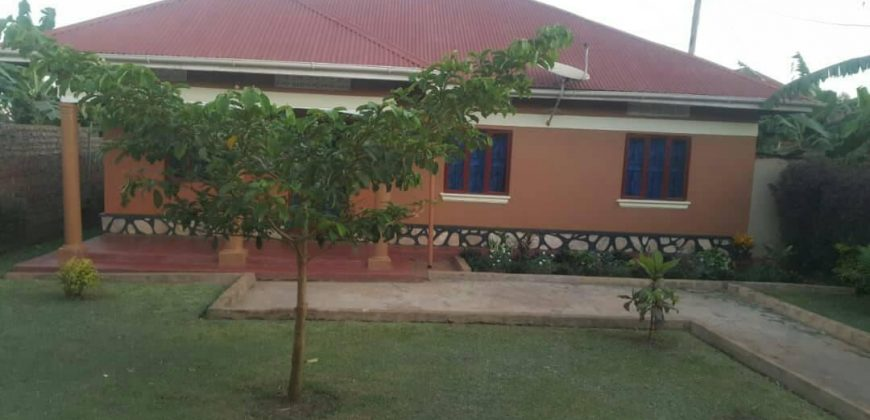 House for sale in Kasangati at shs 70,000,000