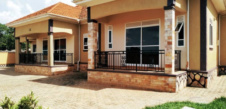 House for sale in Kir at shs 550,000,000