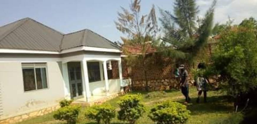 House for sale in Gayaza Manyanngwa at shs 110,000,000