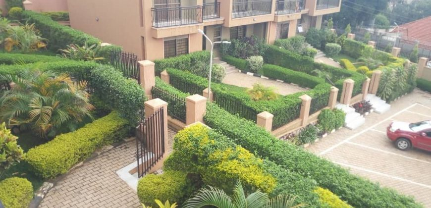 4 bedrooms town houses for rent at Mbuya Nadiope Road