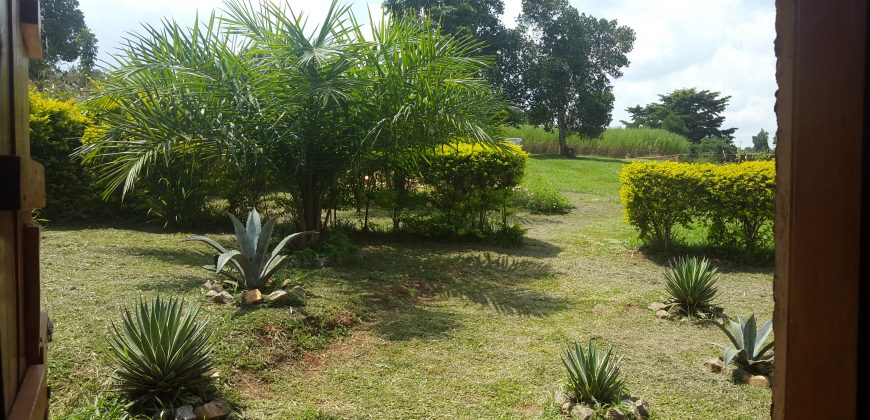 1 Acre with cottage on the Nile For Sale in Jinja