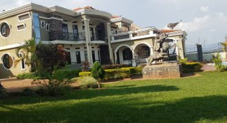 Posh house on sale in Bwebajja at shs 380,000 US dollars