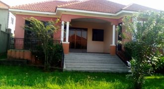 House for rent in Seeta at shs 2,500,000
