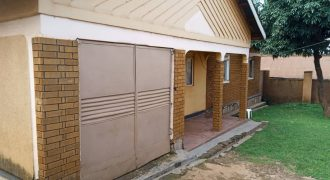 House for sale in Kasubi-Munaku at shs 350,000,000