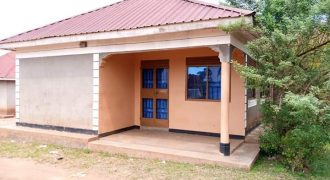 House for sale in Bweyogerere Kirinnya at shs 65,000,000