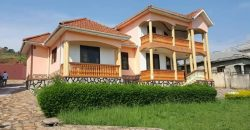 House on sale in Bwebajja at shs 370,000,000