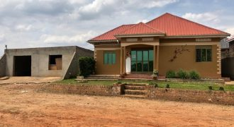 A 3 bedroomed Bungalow for sale in Nsangi at shs 150,000,000