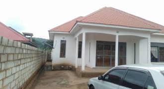 House for sale in Kitovu at shs 140,000,000