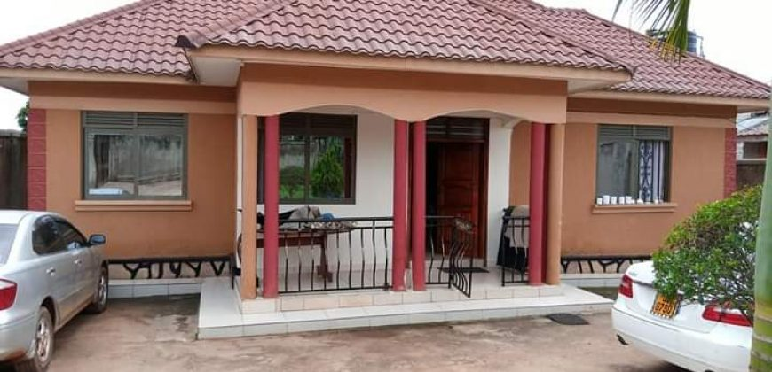Houses for sale in Namugongo at shs 280,000,000