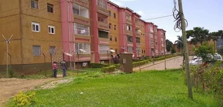 Quick sale sale2bedrooms 2bathrooms Condominium on BUGOLOBI FLATS on ground floor at 270m