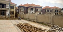 House for sale in Kiwatule at shs 1,100,000,000