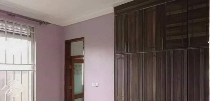 House for sale in kyanja at shs 800,000,000