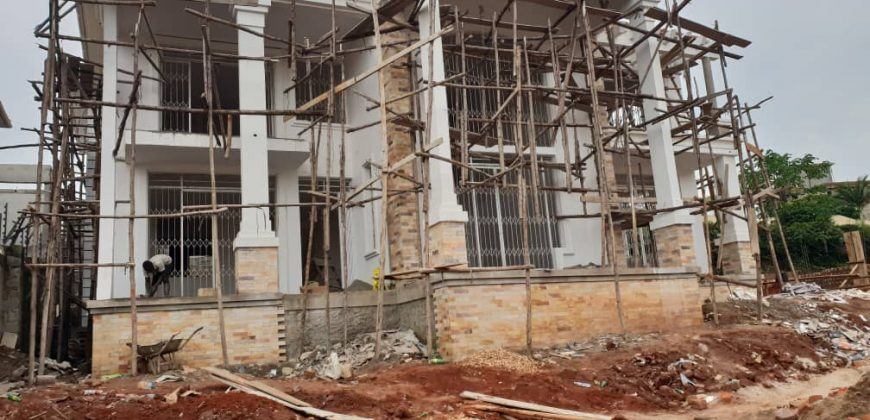 House on sale in Kiwatule at shs 1,100,000,000