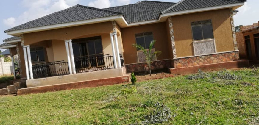 House for sale in Matugga-Sanga at shs 260,000,000