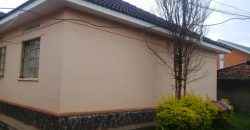 House on sale in Mutungo at shs 370,000,000