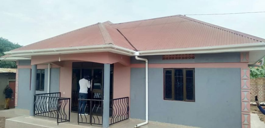 House for sale in Kawuku at shs 75,000,000