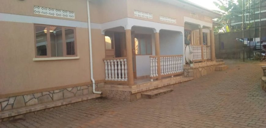 House for rent in Mperewe Lusanja at shs 600,000