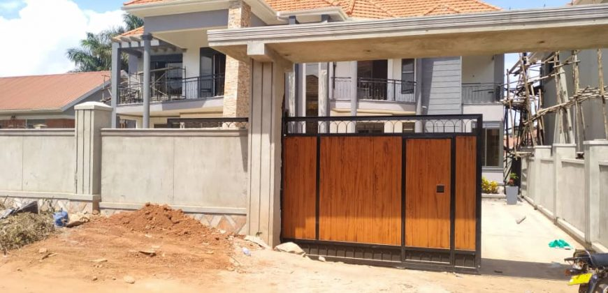 Houses for sale in Naalya at shs 1,000,000,000