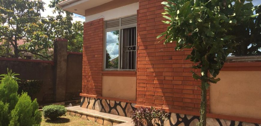 House for sale for sale on Mitiyana road at shs 180,000,000