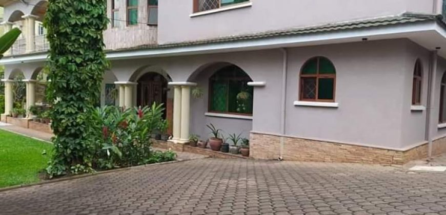 6 bedroomed house on sale in Kololo at shs 1,000,000 US dollars