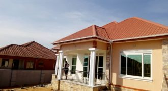 House for sale in Kitende Entebbe road at shs 320,000,000