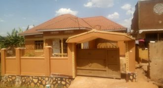 House for sale in Lugazi Town at shs 70,000,000