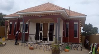 House for sale in Kiwango Bukerere at shs 140,000,000