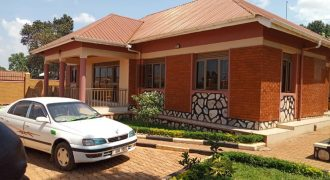 House for sale in Seguku Katale Entebbe road at shs 500,000,000