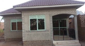 House for sale in Busiika Vumba at shs 60,000,000