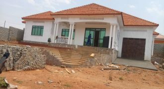 House for sale in Bwebajja Entebbe road at shs 700,000,000