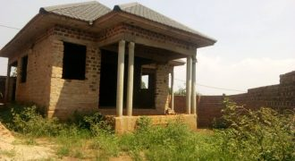 Shell house for sale in Seeta town at shs 120,000,000