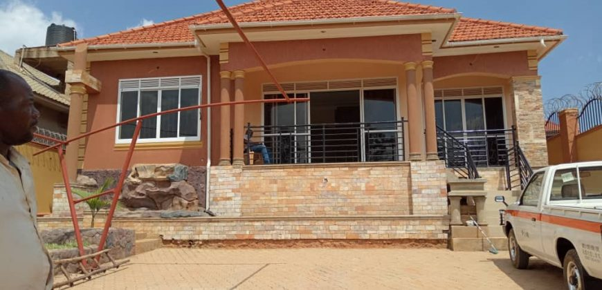 House for sale in Kyaliwajjala at shs 350,000,000