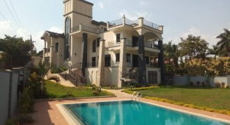 Mansion for sale in Bunga at shs 1,000,000 US dollars