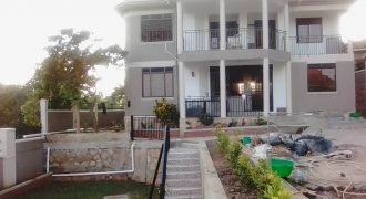 House for sale in Buziga at shs 800,000,000