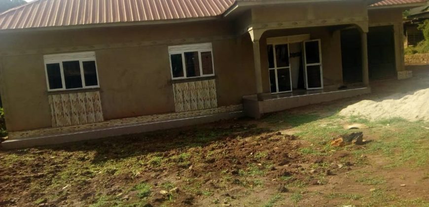House for sale in Matugga town at shs 120,000,000