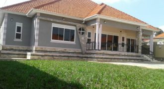 House for sale in Kitende at shs 450,000,000