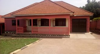 House for rent in Kitende at shs 1,700,000