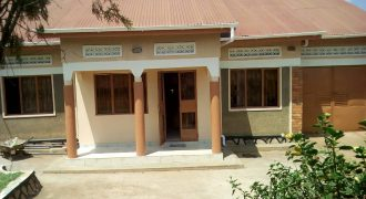 House for sale in Bweyogerere at shs 180,000,000