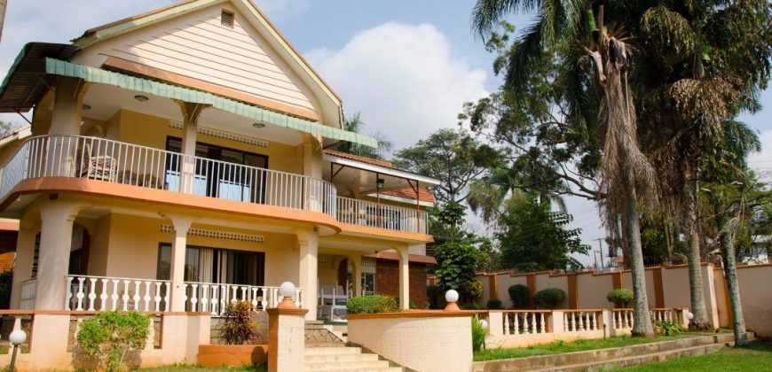 House for sale in Muyenga at shs 650,000 US dollars