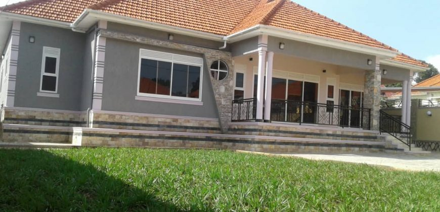 House for sale in Bweya at shs 600,000,000